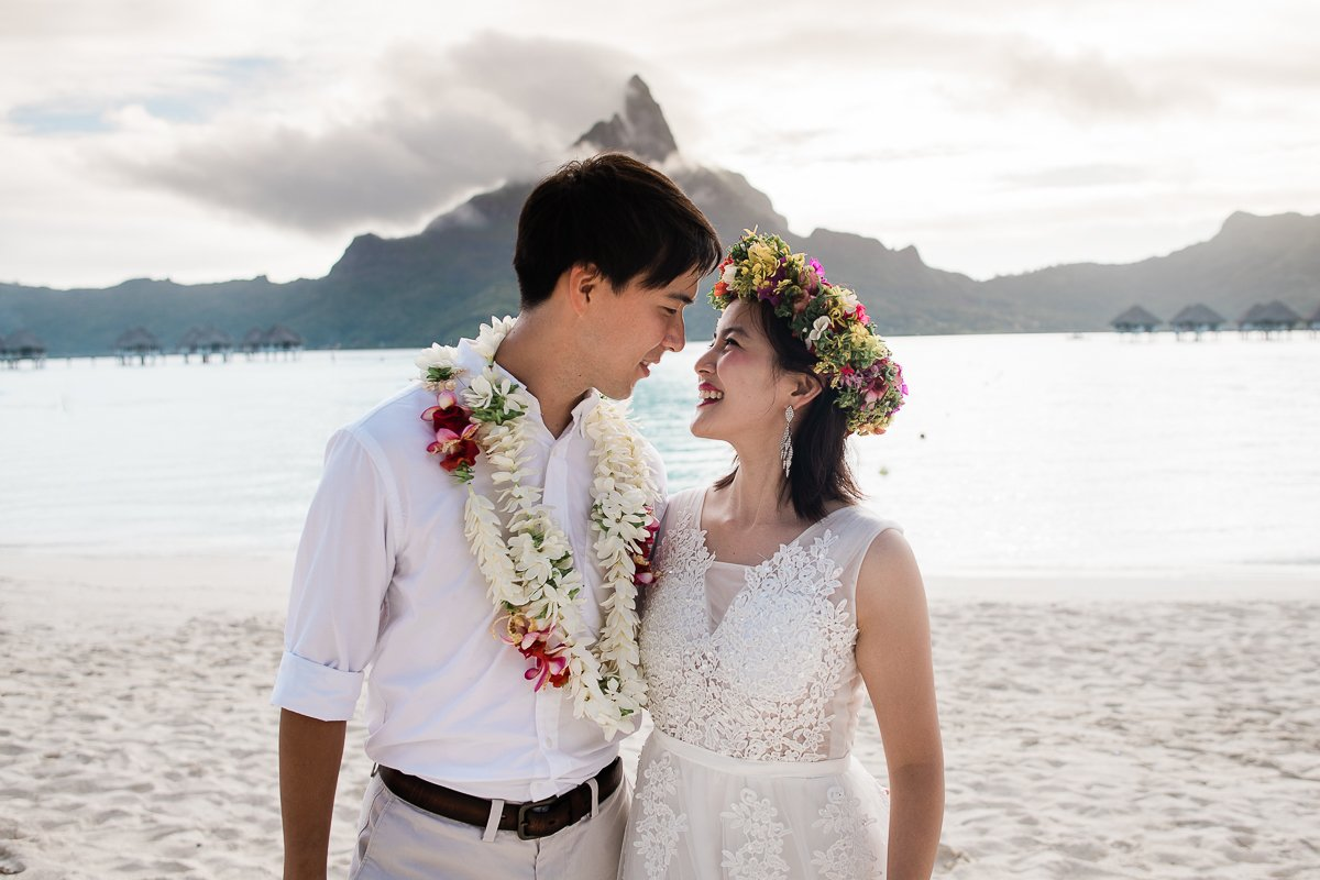 Bora Bora Honeymoon & Couple Photographer | Sasha Popovic