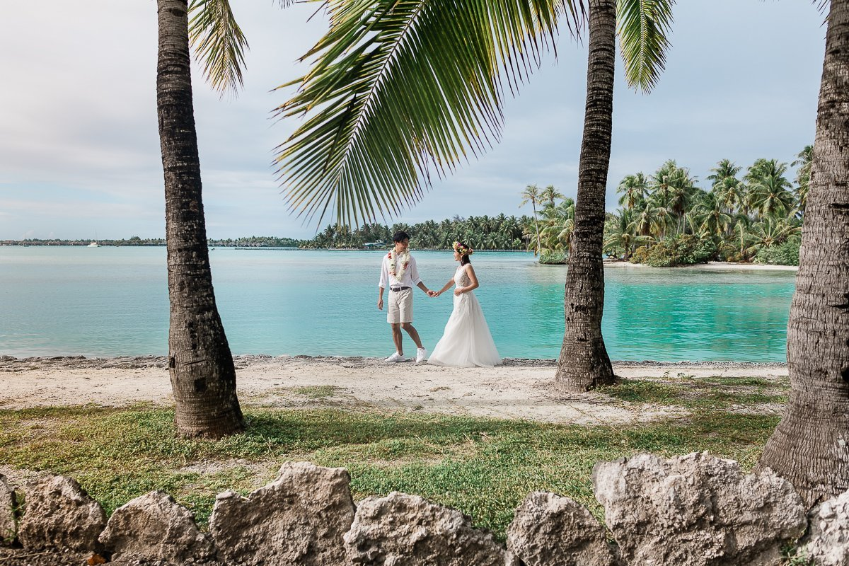 Bora Bora Honeymoon & Couple Photographer   Sasha Popovic